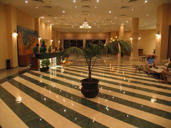 lobby-xl
